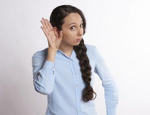 Jak odetkać ucho? Kogo może dotyczyć ten problem?