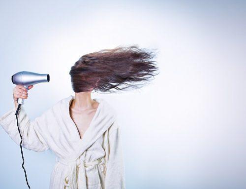 Wypadanie włosów po ciąży – jak przeciwdziałać?