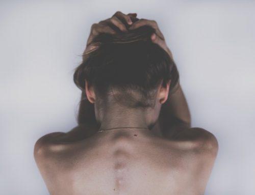 Ból karku – jak sobie pomóc?