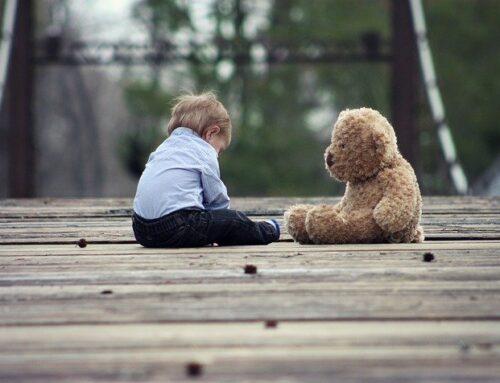 Jak pomóc dziecku w nauce chodzenia?